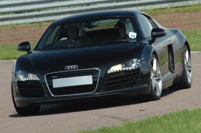 b2ap3_thumbnail_audi-r8-thrill-at-11165305.jpg